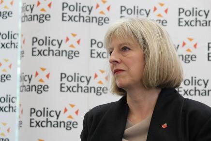 Regno Unito: i conservatori vincono a metà, manca la maggioranza per TheresaMay
