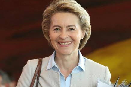 Unione Europea: Ursula von der Leyen succede aJuncker