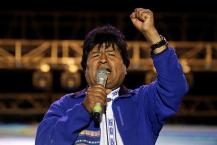 Bolivia: Evo Morales suona la carica per tutta l'America delSud