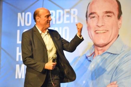 Uruguay: Daniel Martínez in testa, presidenziali al secondoturno