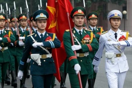 Il ruolo dell'esercito del popolo nella rivoluzionevietnamita