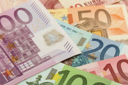 Breve storia dell'Euro: dalla farsa allatragedia