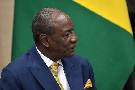 Guinea: Alpha Condé rafforza il suopotere