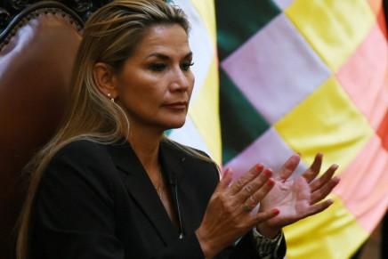 Bolivia: il governo golpista continua ad agirenell'illegalità