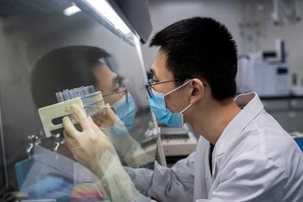 Russia e Cina proseguono nella produzione di vaccini anticovid-19