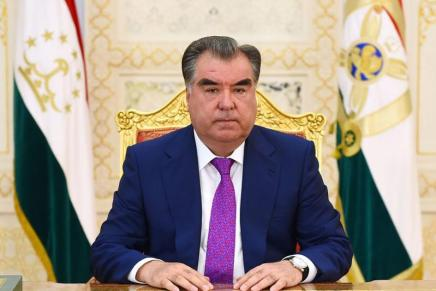 Tagikistan: plebiscito per il presidente EmomalīRahmon