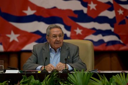 Cuba: Raúl Castro lascia il Partito Comunista in ottimemani