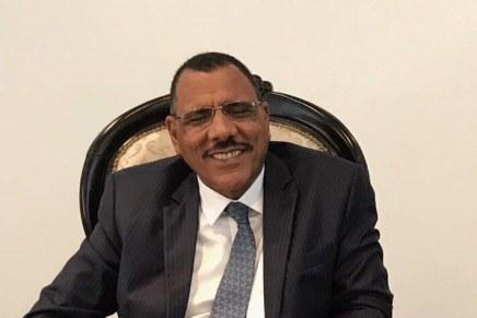 Niger: Bazoum entra in carica dopo il golpefallito