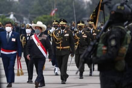 Perù: la destra prepara il golpe contro PedroCastillo