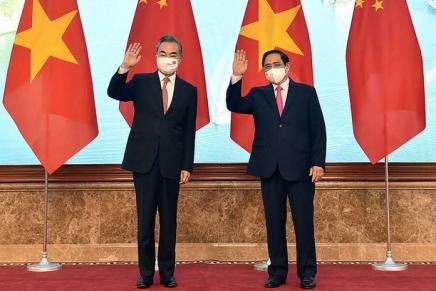 Il Vietnam riceve importanti visite diplomatiche da Cina eGiappone